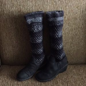 Ugg Crest haven wedge sock boots s/n 1935